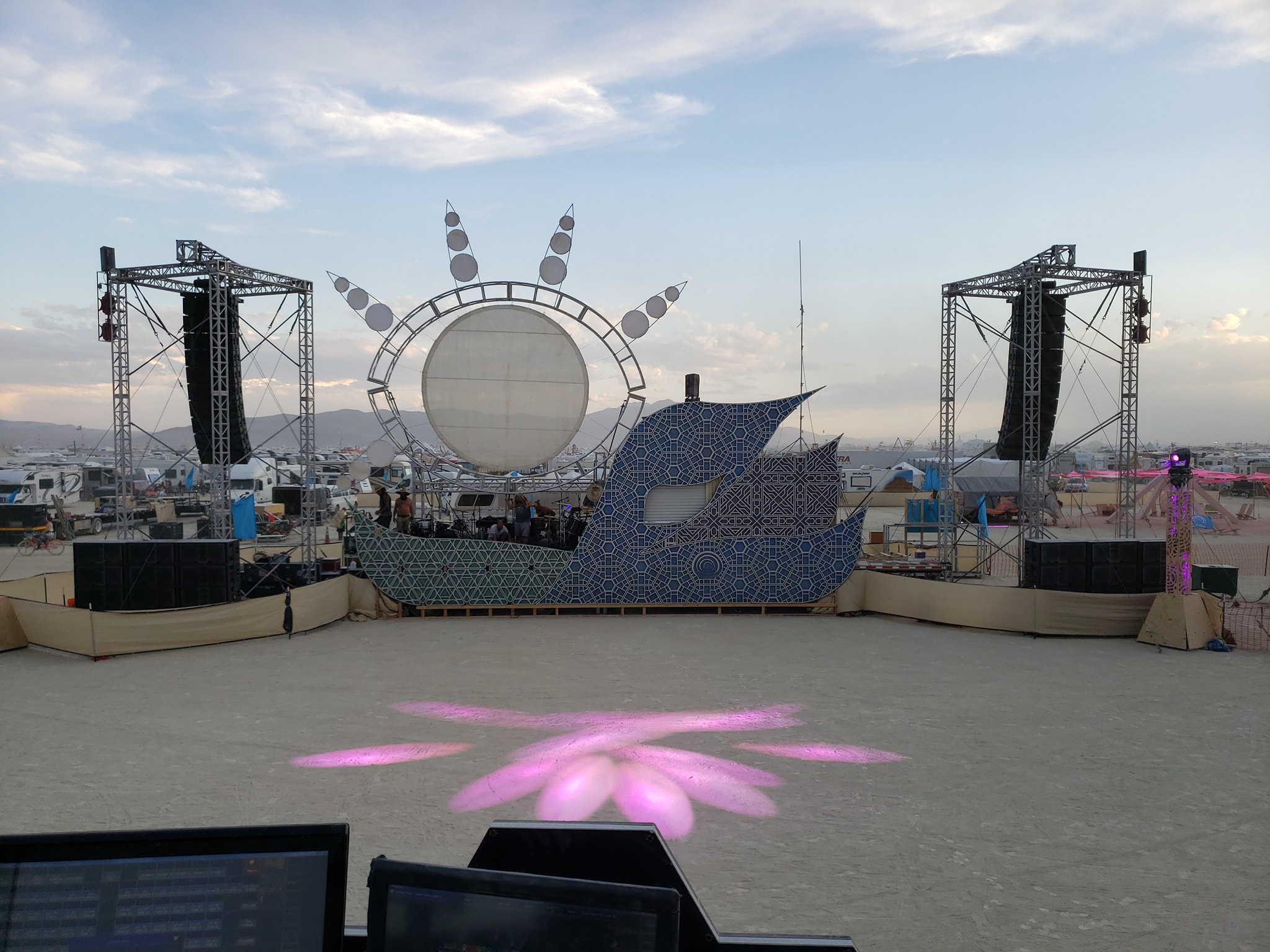 burning-man-sonic-soul-tribe-onstage-systems